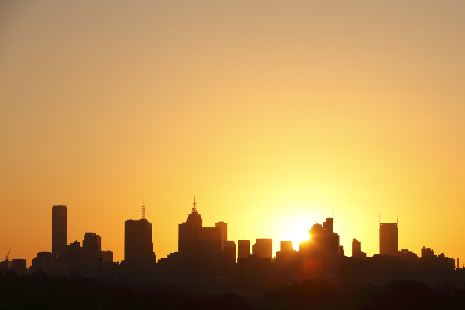 Silhouette of Melbourne city in summer